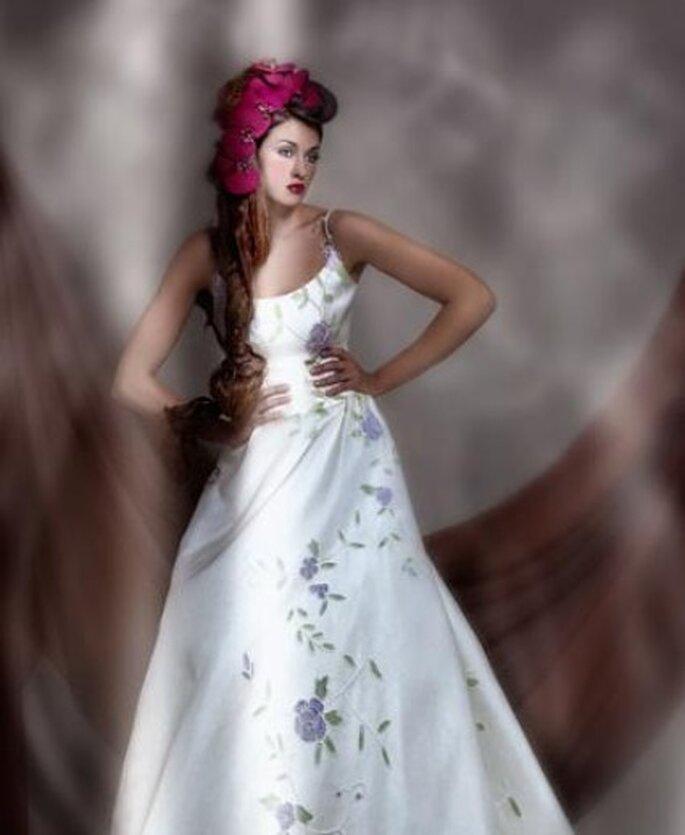 El vestido de novia también puede llevar adornos de flores