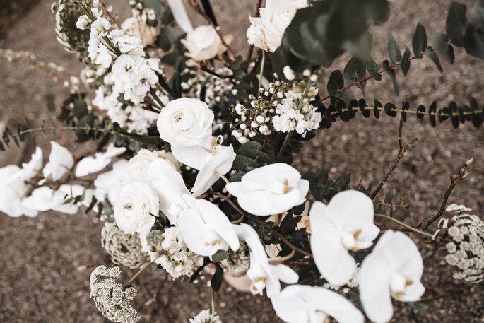 Intime Hochzeit, Eleganz trifft auf rustikalen Flair Blumenschmuck