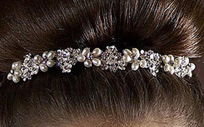 Diadem von Lilly - Perlenblumen mit kleinen Ornamenten