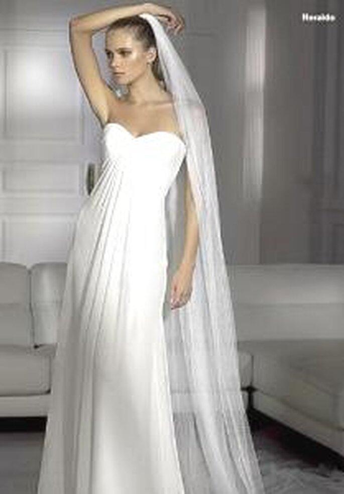 Pronovias 2009 - Heraldo, vestido largo corte imperio, sencillo, escote corazón