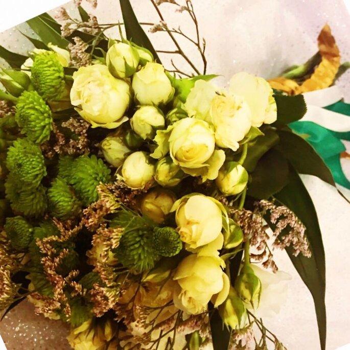 É claro que vale ter a flor favorita da noiva em destaque