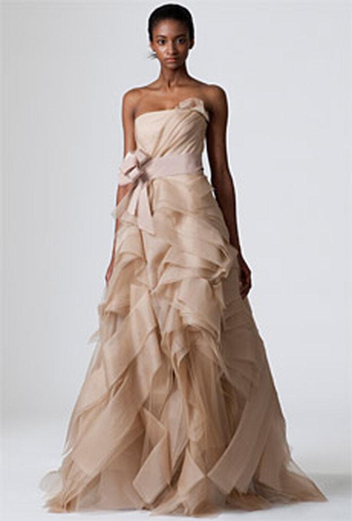 Vera-Wang-2010-Diedre-robe longue couleur chocolat-coupe princesse avec volants
