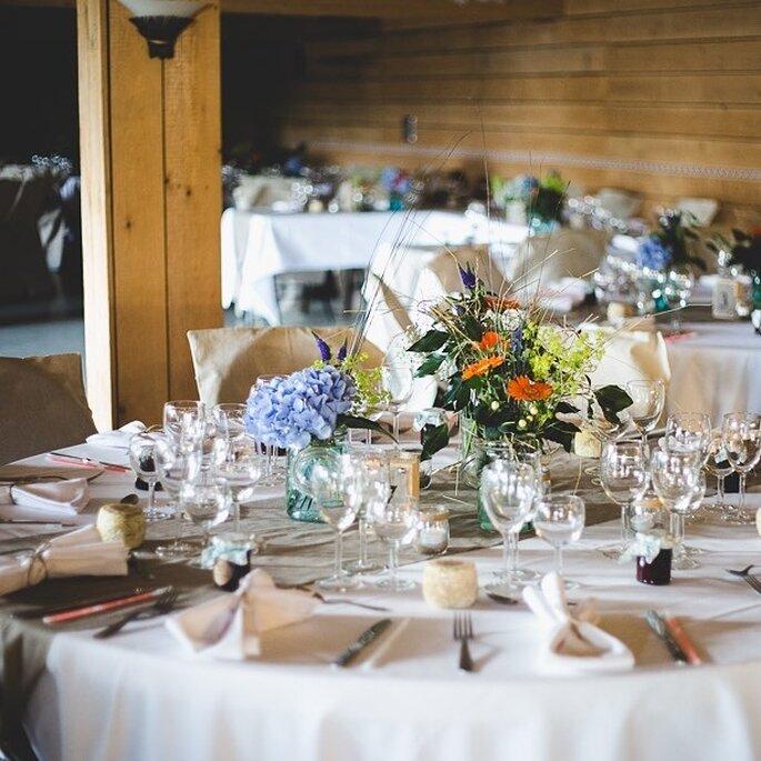 Le Chauffour- table fleurie pour un mariage champêtre et bohème