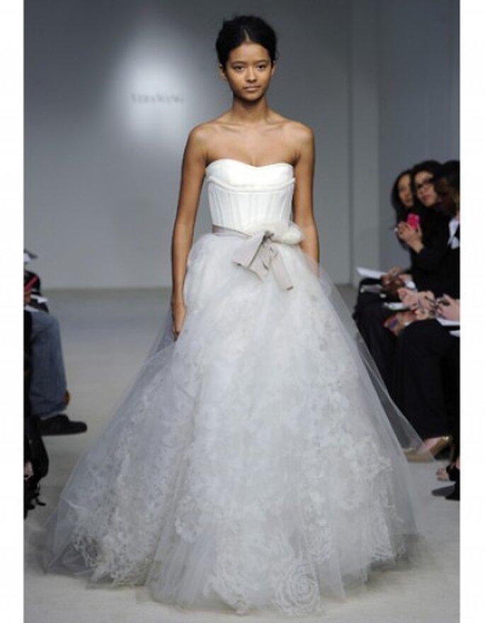Vestido de novia corte princesa, strapless en corsé