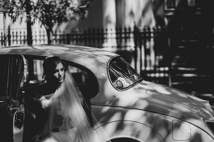 Marco Fardello Fotografo - sposa che scende dalla macchina