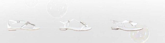 Per la sposa che vuole optare per la scarpa bassa, ecco i modelli rasoterra della Collezione Sposa Loriblu 2012