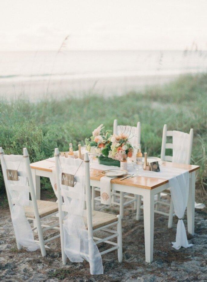 Montajes perfectos para una boda en la playa - Foto Jessica Lorren Photography