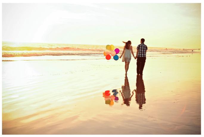 Todo tu amor en un lindo paseo por la playa - Foto Kate Noelle Photography
