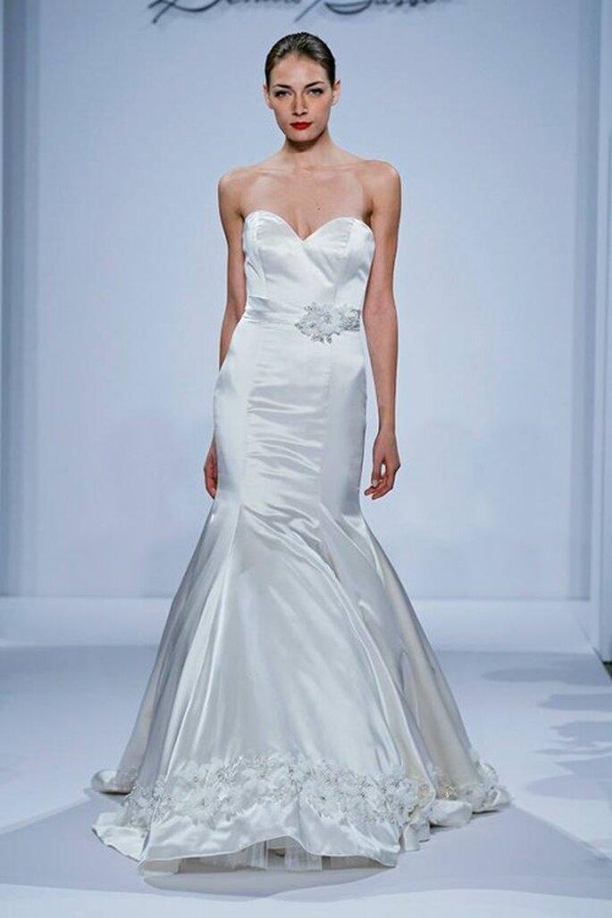 Vestido de novia 2014 corte sirena con escote strapless y falda con volumen - Foto Dennis Basso