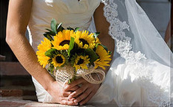 Composizioni Con Girasoli Matrimonio : Un matrimonio tinto di giallo decorare con i girasoli