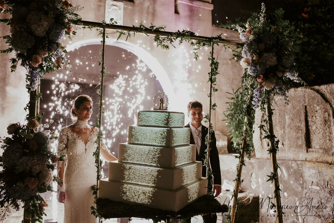 Il Mio Matrimonio Wedding Planners - coppia con torta nuziale