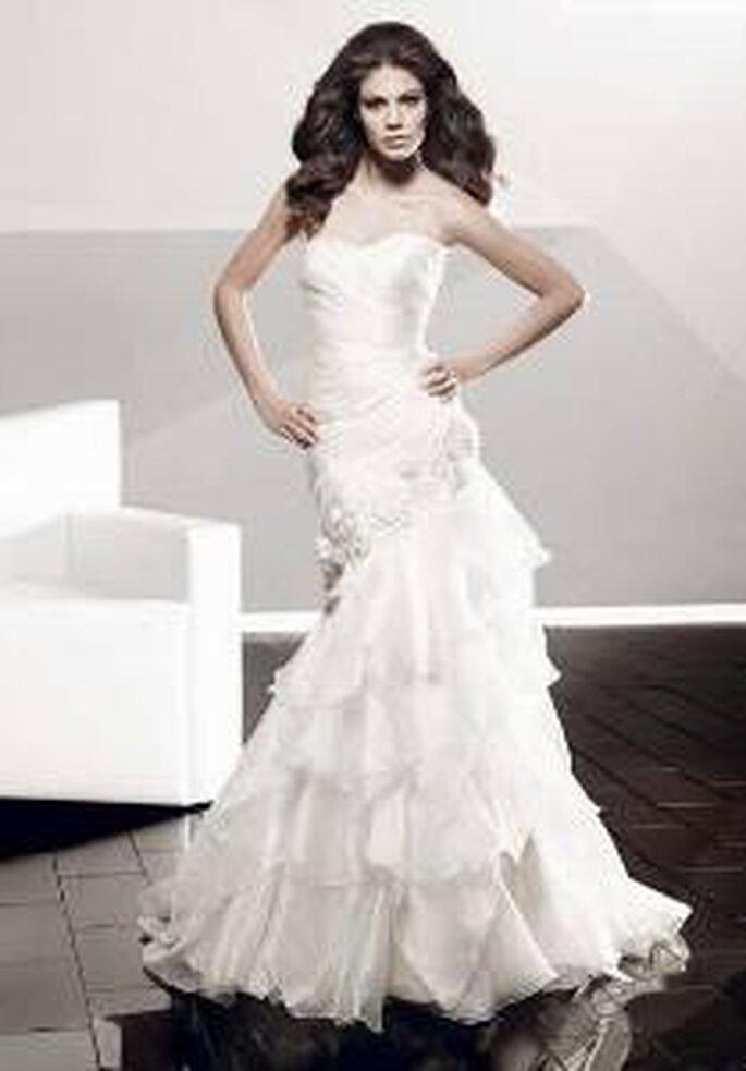 Vestido de novia - Pepe Botella - Vestido sirena, volados, escote palabra de honor