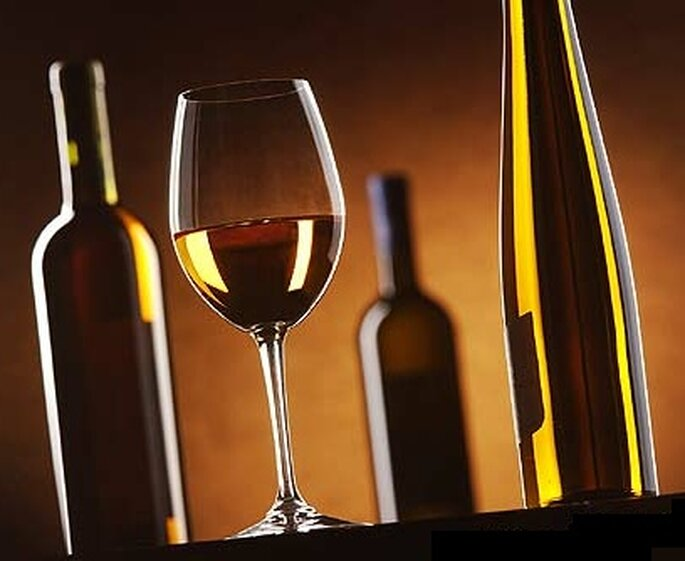 Rien de tel qu'un bon vin pour fêter dignement les mariés !