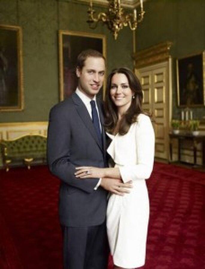 El príncipe Guillermo y Kate Middleton. Foto de compromiso de Mario Testino