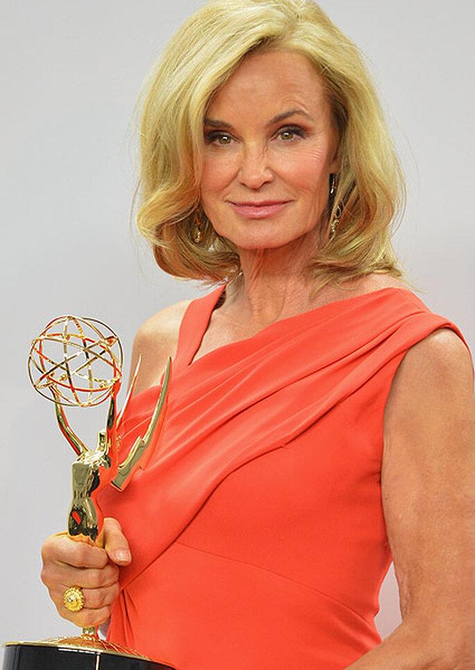 Jessica Lange deslumbró en los Emmy con un vestido de J. Mendel. Foto: image.net