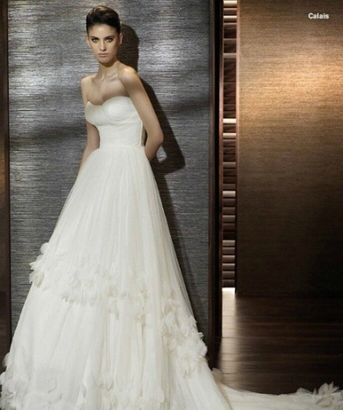Vestido de novia con volantes de tul, St. Patrick  2012