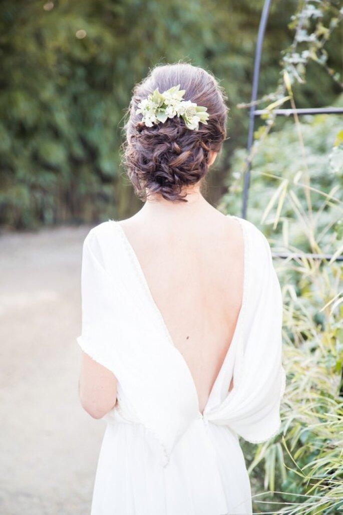 Robe de mariée : Odile Léonard / Coiffure : Cut & Learn / Couronne : Aude Rose / Photo : Matt Guegan