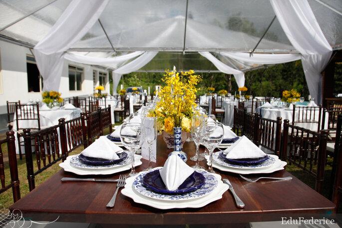 decoracao para casamento azul marinho e amarelo:Azul marinho e amarelo. Uma das tendência para 2013. Foto: Edu