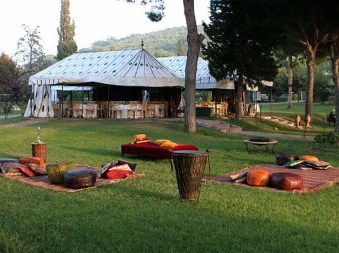 Tiendas en el campo para tu boda marroquí - Foto: cindarellaweddingplanner.blogspot