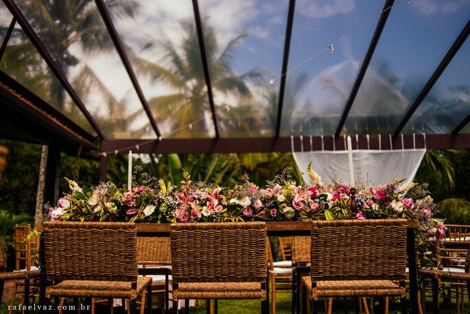 decoração flores casamento praia