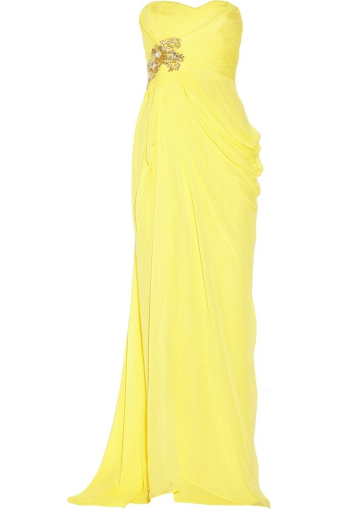 Vestido de novia en color amarillo con escote palabra de honor y cauda - Foto Notte by Marchesa en Net a Porter