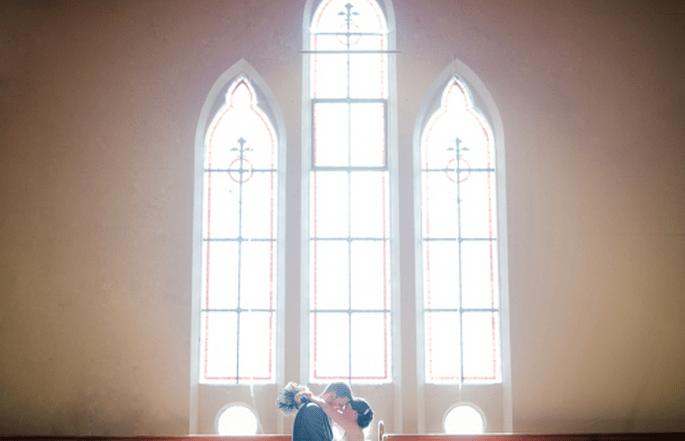 Toma de los novios en el lugar de la ceremonia religiosa - Foto Nadia Meli