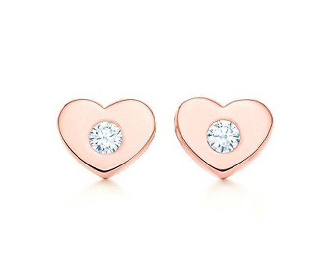 Pendientes Tiffany en forma de corazón con diamantes incrustados. Foto de Tiffany
