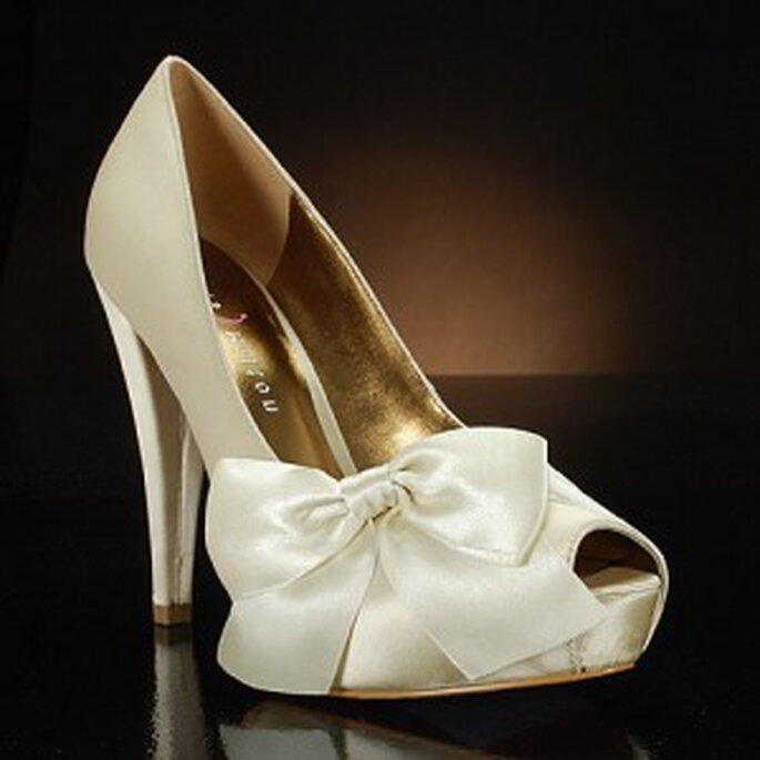 Sapatos de Noiva by Paris Hilton