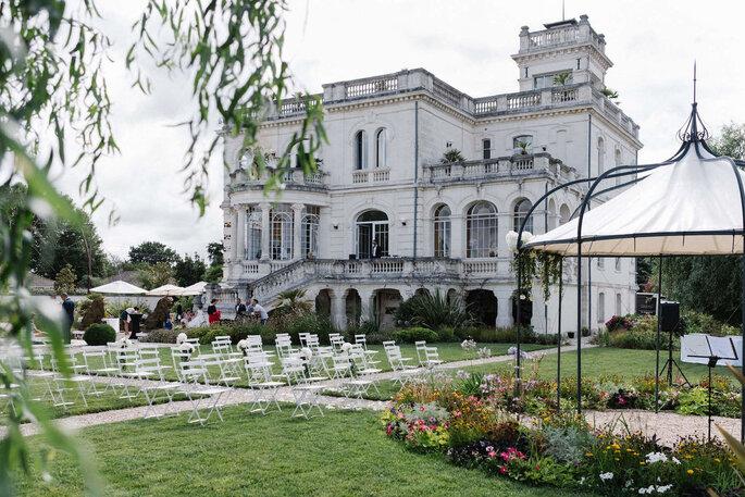 Un château au style Belle Epoque, son parc comme théâtre d'une cérémonie civile en plein air