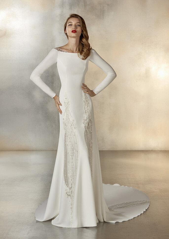 Vestidos de novia cuello barco con manga larga y corte línea A