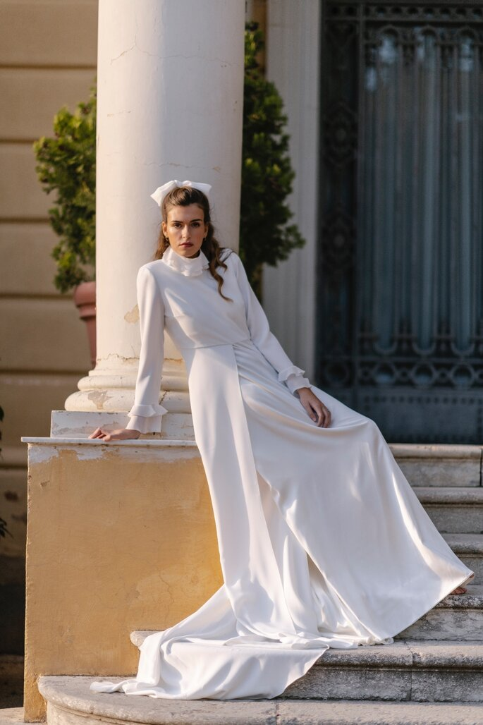 Robe de mariée longue col montant