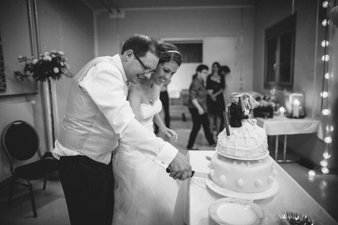 Glückliches Brautpaar, glückliche Gäste. Foto: Joel Danielle