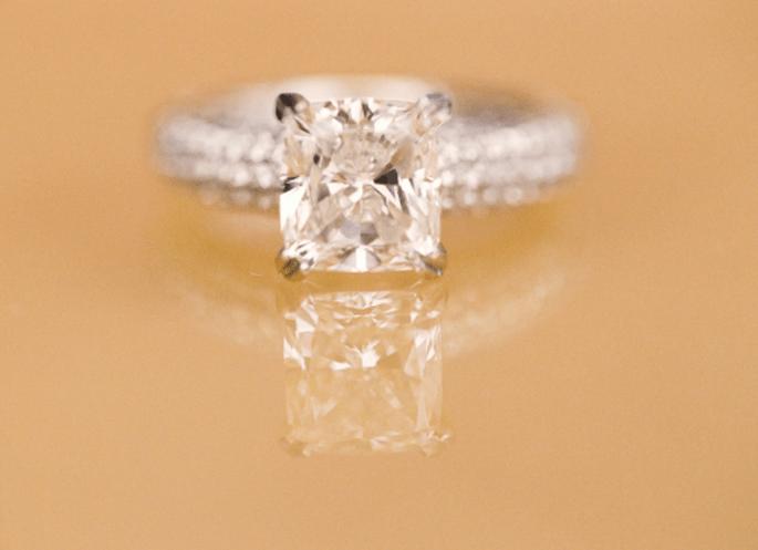 5 razones que prueban que tu madre es la mejor consejera para escoger el anillo de compromiso. Fotografía Jen Lynne