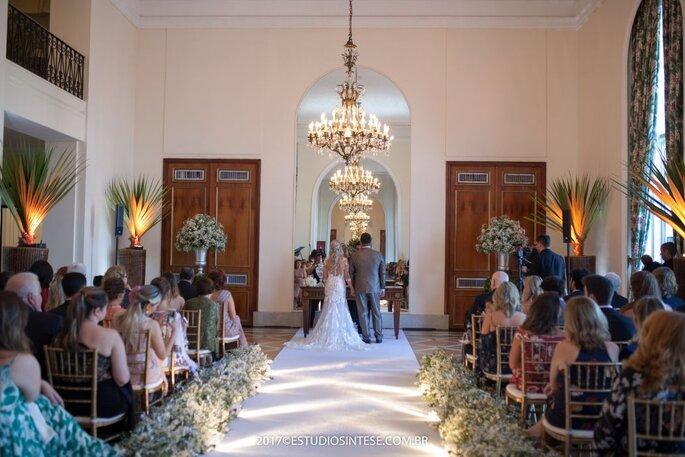 Casamento diurno cerimônia clean
