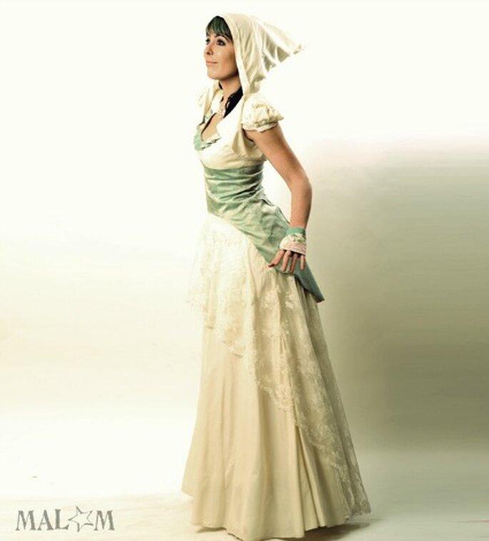 Robe de mariée ivoire et bleue - Malam