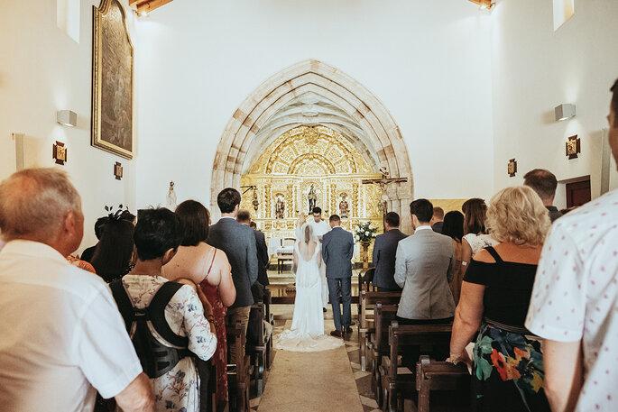 como escolher o padre casamento católico