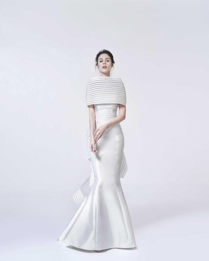Vestido de novia vintage con corte de sirena con cubre hombros
