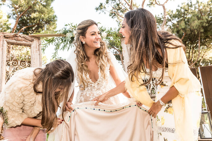 a noiva com as suas damas de honor