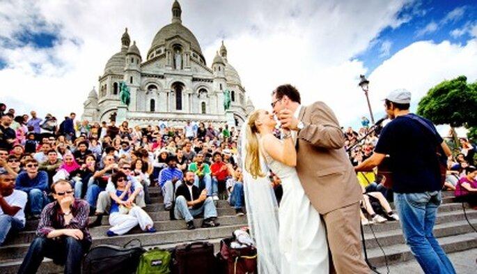 Romantik pur: Hochzeitsfotos in Paris. Foto: Katja Schünemann. www.ks-weddings.de