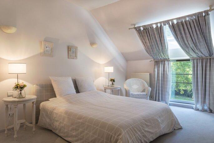 Chambre d'hôtes moderne et claire pour séjour après un mariage