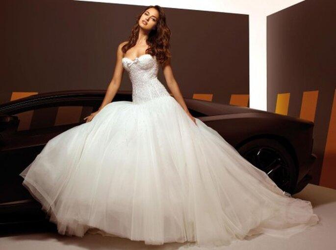 Vestido de novia estilo princesa con corset - Foto Alessandro Angelozzi Facebook