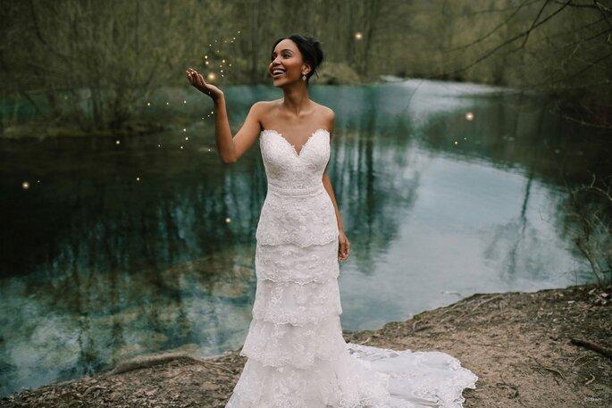 Robe de mariée empire avec un bustier et des volants