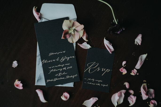 Elegante und edle Hochzeitspapeterie in Schwarz Kalligrafie