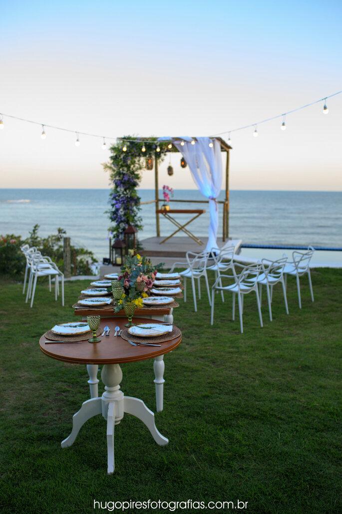 Cerimônia e jantar montados ao ar livre