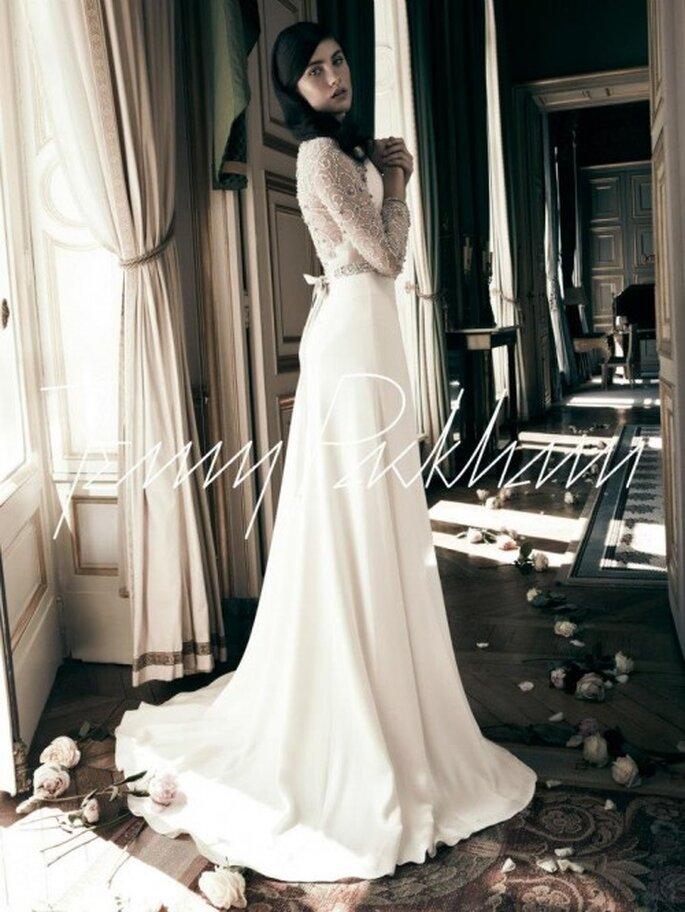 Vestido de novia con mangas largas llenas de pedrería - Foto Jenny Packham Facebook