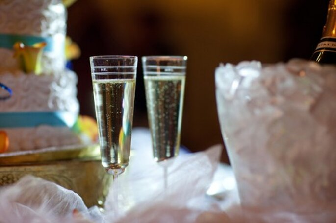 Deleita a tus invitados con champagne en tu boda - Foto Grand design Photography
