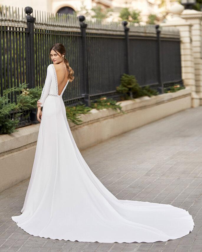 Robe longue dos nu pour un mariage civil