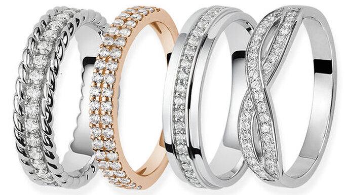 Alliances avec des diamants