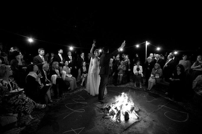 Brinde noivos com fogueira