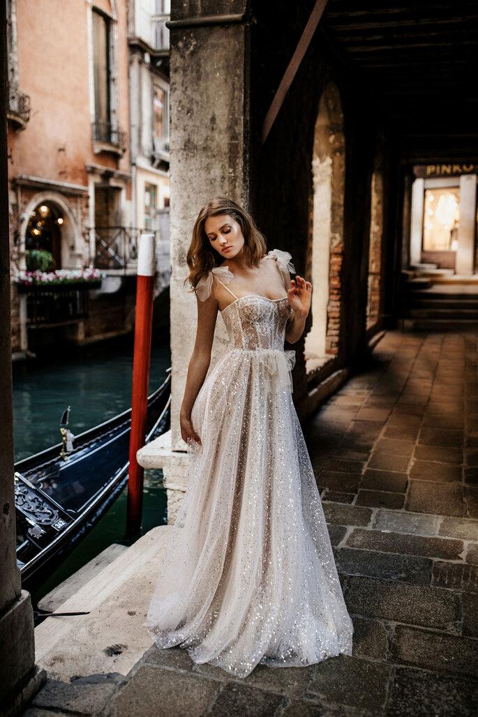 Robe de mariée dans un esprit lingerie et princesse